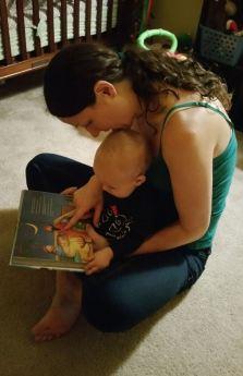 mom-reading